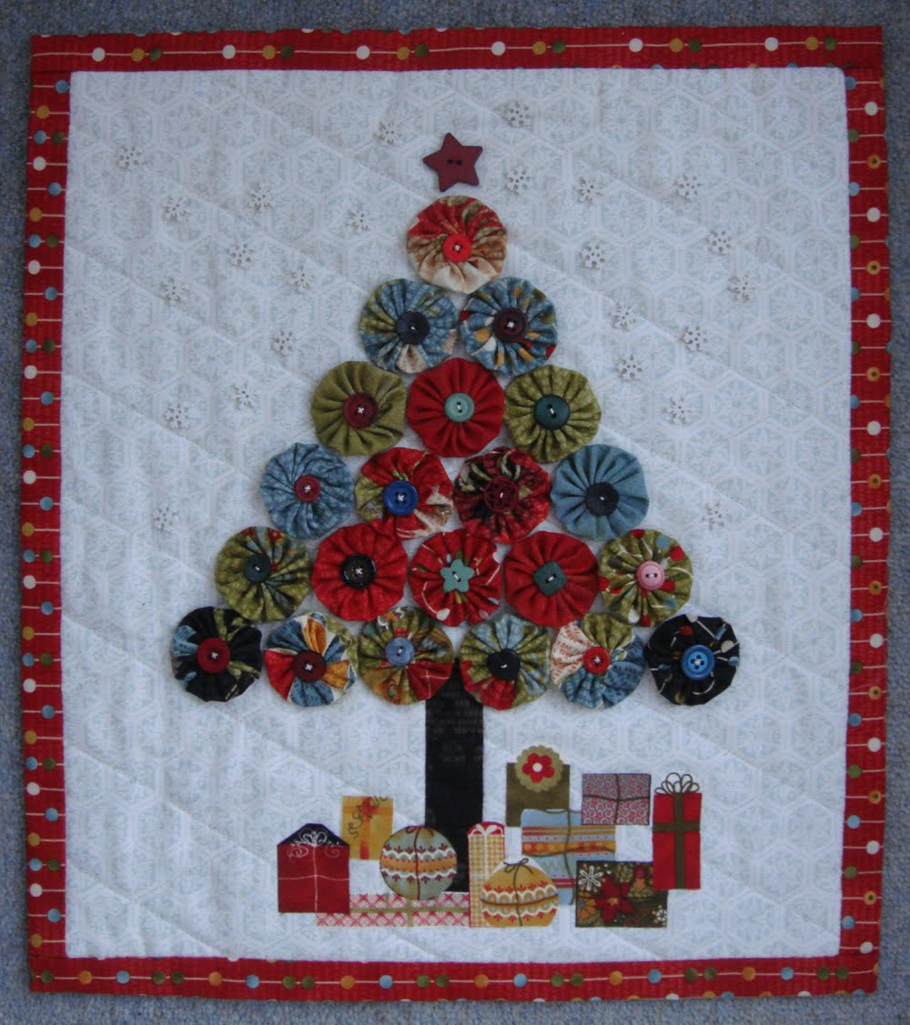 Jovial Christmas Tree Wall Hanging Modafabrics