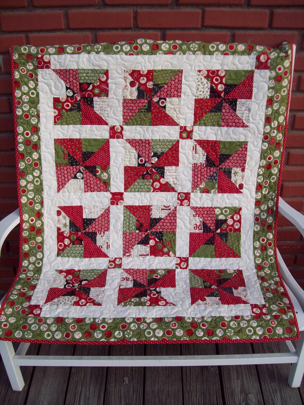 Hi there! We are so thrilled to be on the Moda Bake Shop again to share another great idea for using a jelly roll! You know how much we LOVE the pre-cuts ... & Missouri Star Quilt Co « modafabrics pillowsntoast.com