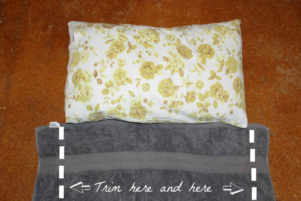 Подушка из полотенца своими руками